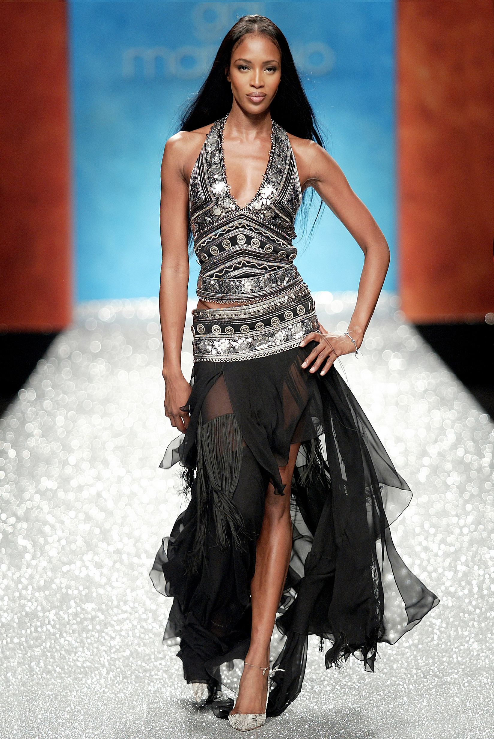 Naomi Campbell in Gai Mattiolo primavera-estate catwalk