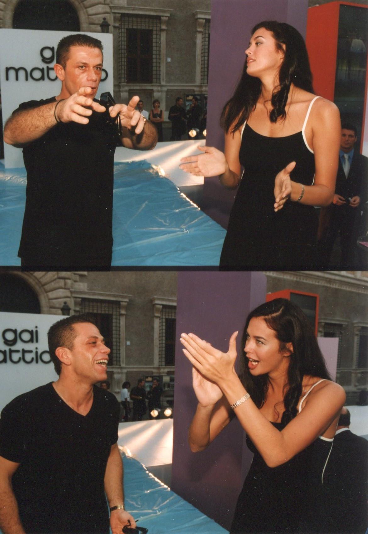 Megan Gale e Gai Mattiolo alla sfilata
