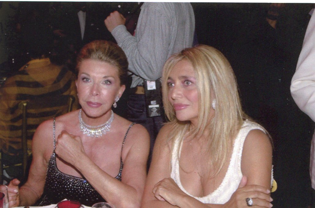 Marina Doria e Mara Venier all'evento Gai Mattiolo