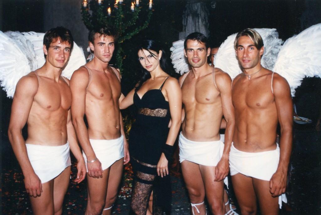 Ramona Badescu con modelli Gai Mattiolo